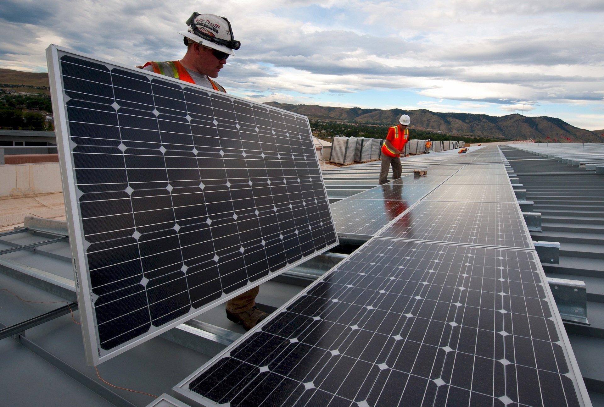 Installatie zonnepanelen